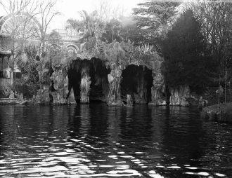 Lago e gruta dos jardins, em 1930