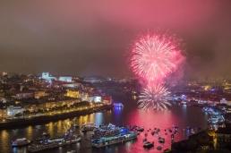 rio-douro-fogo-de-artificio-sao-joao